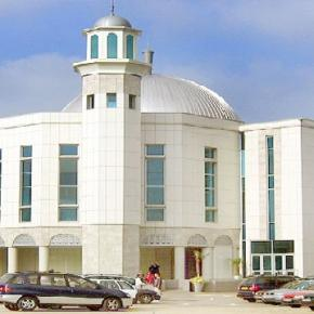 Kigyulladt a Lononi Mosque Mordenben