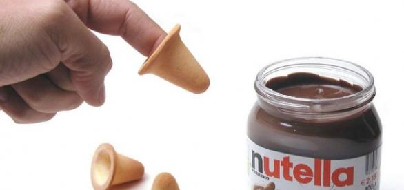 Il biscotto per immergere il dito nella nutella - Bagno nella nutella ...