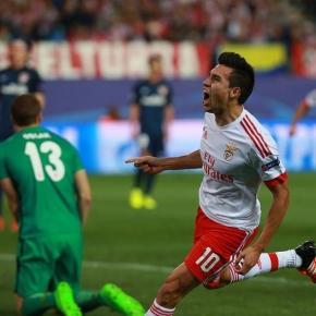 Gaitán festeja o 1º golo encarnado