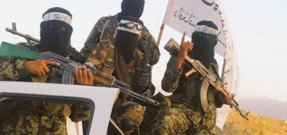 Talibowie w Kunduzie - Twitter: @sakirkhader
