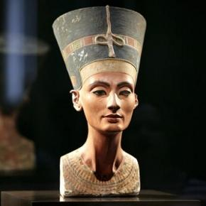 Nefertiti foi rainha da XVIII dinastia egípcia