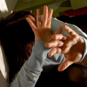 Romanca batuta si violata de propriul sot