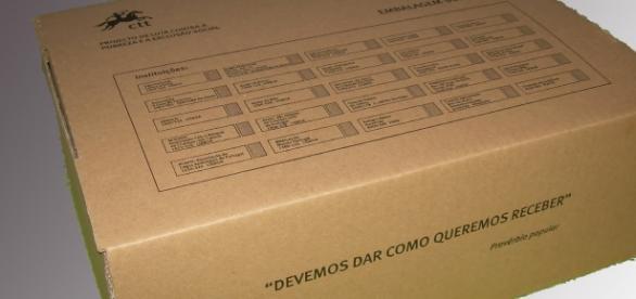 Imagem da embalagem solidária disponível nos CTT