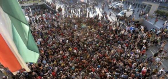 Imigranți blocând traficul (foto:EPA)