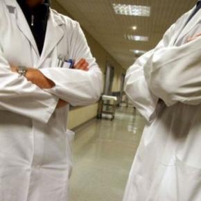 Lekarz nie może ujawniać błędów swojego kolegi?