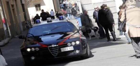 Carabinierii i-au salvat pe romani de linşaj