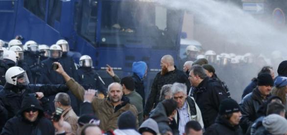 Imagini de la mitingul din Koln