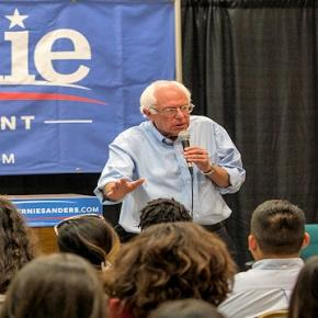 Bernie Sanders - photo by Phil Roeder, flikr CC2.0