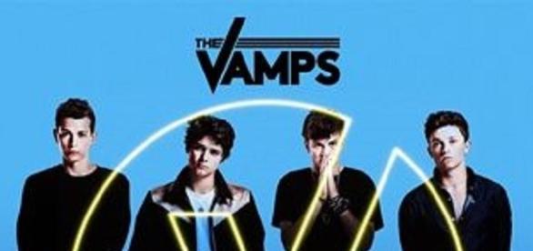 """Okładka płyty """"Wake Up"""" - zespołu The Vamps."""