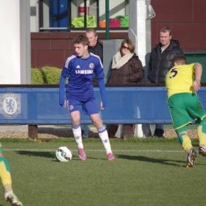 Adamczyk grał w młodzieżowych drużynach Chelsea