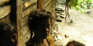 roma gyerekek mélyszegénységben