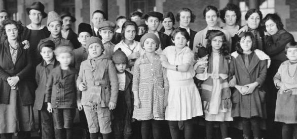 Immigrants at Ellis Island (Wikimedia)