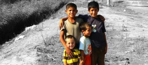 Roma gyerekek egy vidéki városban