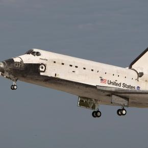 Space shuttle Atlsntis STS 61B (Wikipedia)