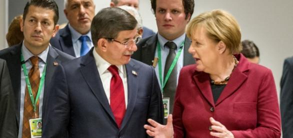 Întâlnire între Angela Merkel şi Ahmet Davutoglu