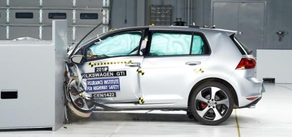 un crash test nos permite realizar analisis