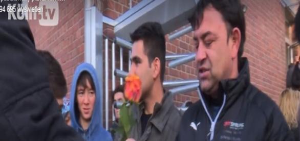 Kwiaty na powitanie w Kolonii (FB scrn)