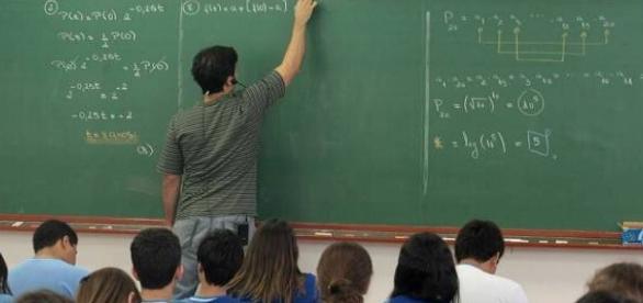 Confira as vagas disponíveis na área da educação