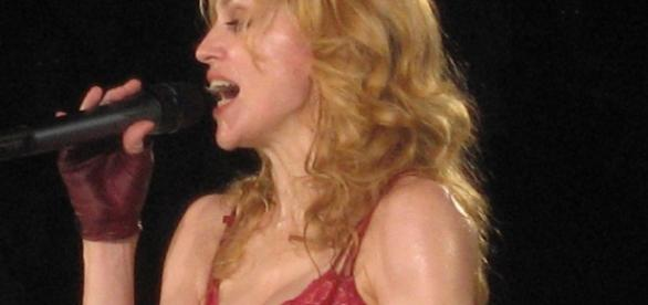 Madonna live onstage (Wikipedia)