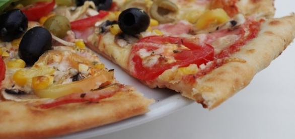 La pizza: il cibo ideale del sabato sera tra amici