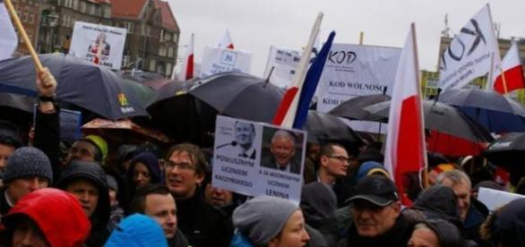 Demonstracje zwolenników KOD grudzień 2015