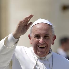 le pape François dénonce l'endoctrinement de la théorie du genre dans les manuels scolaires