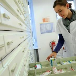 Farmácias apontam falhas no fornecimento aos distribuidores ou aos próprios laboratórios