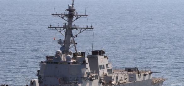 The USS Mason patroling international waters/photo via Wikimedia