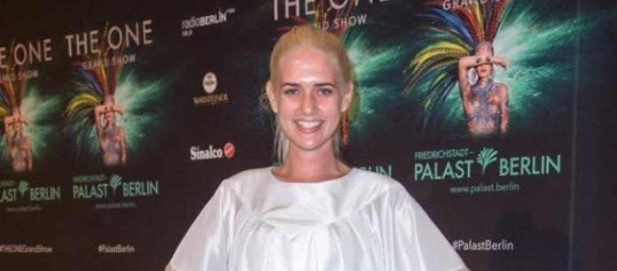 Wie Alicia Keys: Model Sarah Knappik ist ohne Make-Up auf dem ...