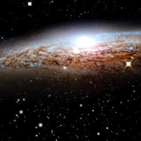 """Der Größte Teil des Universums liegt im dunkeln. Übersicht - Alle """"Hubble - Mission Universum"""" Videos auf ServusTV.com - servustv.com"""