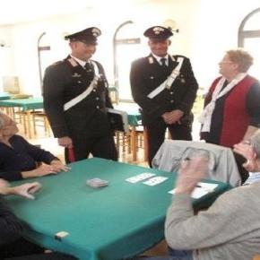 I carabinieri con gli anziani contro chi li truffa