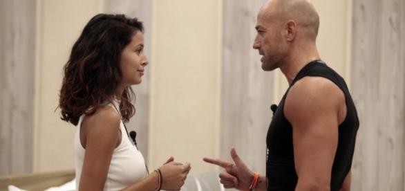 Bettarini bacia Mariana Lui: stavamo provando Ma Valeria cosa dice? - corriereadriatico.it