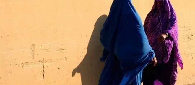Terroristas do Daesh fogem da guerra disfarçados de mulheres