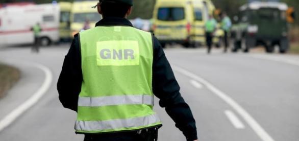 E os militares da GNR continuam na árdua missão de capturar o homicida de Aguiar da Beira.