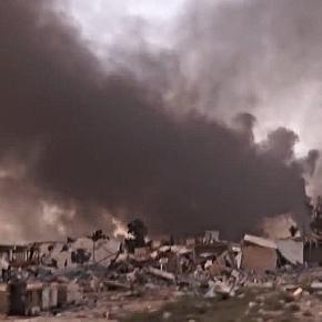 Nein, das ist nicht Aleppo. Das sind Vorstädte Mossuls nach US-amerikanischen Luftangriffen.