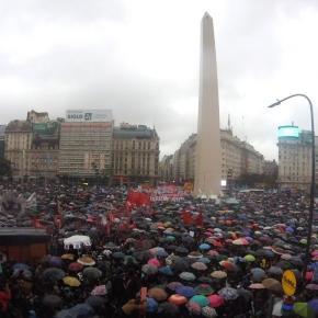 Multitudinaria movilización al grito de #NiUnaMenos