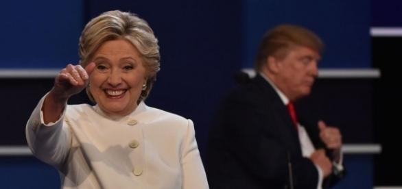 Hillary Clinton honing in on the Nana wave with Trump at Third Presidential Debate: Photo: Blasting News Library - globalgrind.com