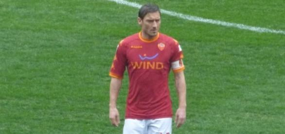 AS Roma vs Palermo [image: upload.wikimedia.org]