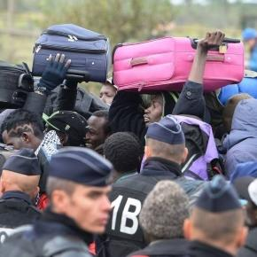 As it happened: Calais 'Jungle' camp clearance - latest - BBC News ...- bbc.com