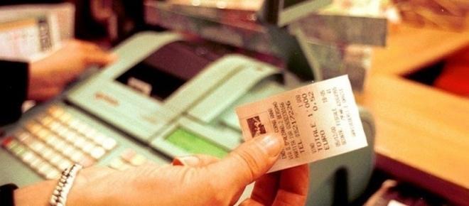 Lotta all'evasione, ecco la Lotteria degli scontrini: in palio premi e sconti fiscali
