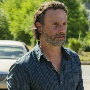 Walking Dead' Season 7 Episode 4 Photos: Negan Threatened ... - inquisitr.com