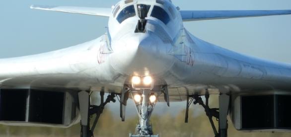 Russian Tupolev Tu-160 Blackjack Supersonic Strategic Bomber ... - blogspot.com
