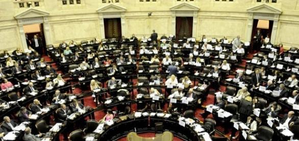Congreso: diputados en plena sesión