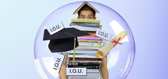 Student loan debt / Photo Via 0TheFool, Pixabay