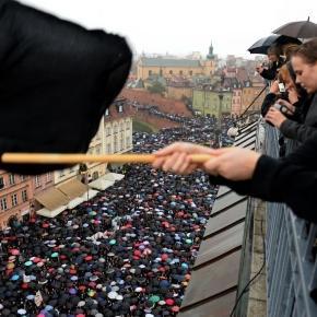 Pologne : l'interdiction de l'avortement rejetée en commission