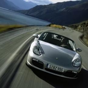 Uma das recompensas é dirigir um Porsche até o Lago Tegernsee.