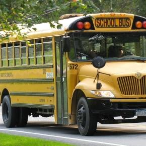 5 children die in Chattanooga school bus crash Photo: commons.wikimedia.org/wiki/File%3AICCE_First_Student_Wallkill_School_Bus.jpg