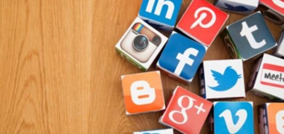 Should You Post Your Consumer Complaint on Twitter or Facebook ... - usnews.com