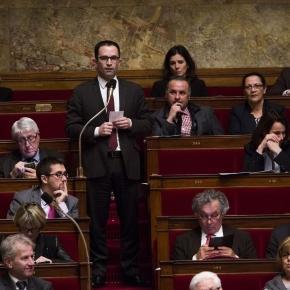 Hamon: «C'est mieux d'abandonner un texte qui divise» - Libération - liberation.fr