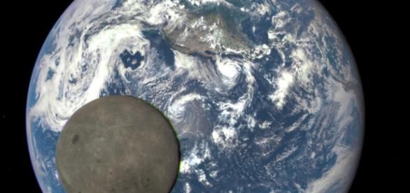 Weltraum - Die helle, dunkle Seite des Mondes - Wissen ... - sueddeutsche.de